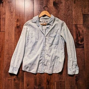 Old navy light wash chambray button down